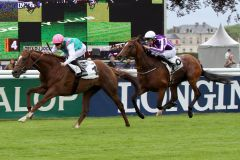 New Bay und Vincent Cheminaud triumphieren im Grand Prix du Jockey Club. www.galoppfoto.de - Sandra Scherning