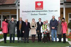 Siegerehrung für Stall Tinsdals Durban Thunder mit Norman Richter nach dem Sieg in der Engelbert Strauss-Trophy, Gr. III, 2010 in Baden-Baden. www.galoppfoto.de