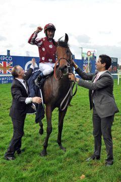 Charm Spirit und Olivier Peslier nach dem Sieg in den QE Stakes. Foto: www.galoppfoto.de - Jim Clark/Sorge