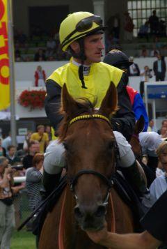Quijano und Andrasch Starke nach dem Großen Lotto-Preis in Hamburg 2010. www.dequia.de