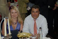 Rashid Shaykhutdinov (R & B Int.) mit Dolmetscherin. www.dequia.de