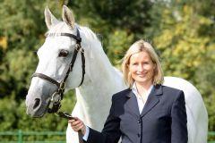 Heike Bischoff-Lafrentz mit dem am 27.10.2010 verstorbenen Sternkönig. www.german-racing.com - Sorge