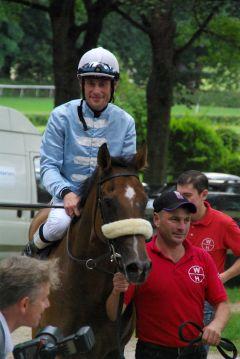 Amancaya nach ihrem 1. Sieg am 09.07.2011 mit Alexander Pietsch in Düsseldorf. www.dequia.de