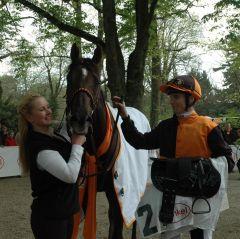 Der Sieger Amaron mit Jockey Fabien Lefebvre. Foto: Gabriele Sur