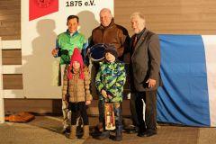 Siegerehrung mit Alexander Pietsch und Trainer Ralf Rohne nach dem Sieg von Anarchie. Foto: Dr. Jens Fuchs