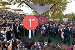 """Wer sich zur """"1"""" stellt, der hat gewonnen. www.galoppfoto.de - JJ Clark"""