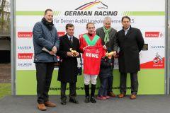 Siegerehrung: Baltic Storm gewinnt mit Andrasch Starke am 06.04.2015 in Köln. Foto: Dr. Jens Fuchs