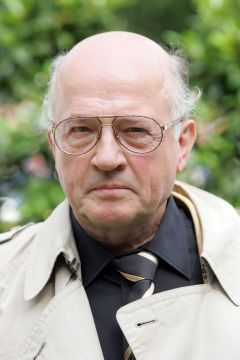 Besitzer Jürgen Imm vom Stall Nizza 2005. www.galoppfoto.de