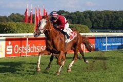 Burschentanz mit Andre Best gewinnt in Dresden. www.galoppfoto.de - Sabine Brose
