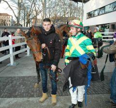 Campitello - mit Besitzertrainer Stijn Derycke - landet seinen ersten Sieg in Neuss. Foto: Gabriele Suhr