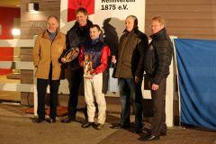 Siegerehrung: Cassilero gewinnt mit Eugen Frank im Preis von Lignieres am 08.02.2015 in Neuss für Trainer Karl Demme. Foto: Dr. Jens Fuchs