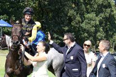 Beste Laune beim Team von Celebrity. www.galoppfoto.de - Sabine Brose