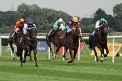 Danuvius (links) gewinnt  mit Marvin Suerland. www.galoppfoto.de - Sarah Bauer