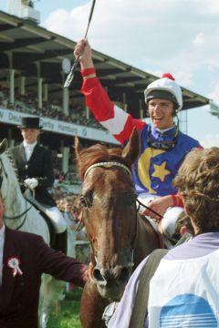 Das Deutsche Derby 1991, Temporal mit Lanfranco Dettori gewinnt. www.galoppfoto.de