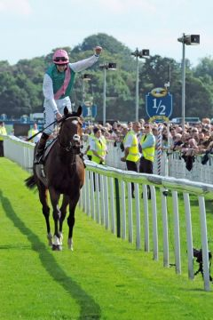 Das Pferd mit dem 'Whow-Effekt' - Frankel und Tom Queally in York. Foto: John James Clark