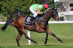 Sicherer Sieg für Dioresse, doch es gab ein Nachspiel für den Reiter. www.galoppsport.de - WiebkeArt