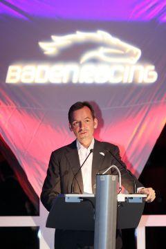 Dr. Andreas Jacobs bei der Eröffnung der Großen Woche 2010, dem Neuanfang unter der Ägide von Baden Racing. www.galoppfoto.de