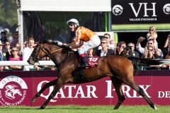 Ein Traum wird wahr - 28 Jahre nach Star Appeal gewinnt mit Danedream (Andrasch Starke) wieder ein deutsches Pferd den Prix de l'Arc de Triomphe. www.galoppfoto.de