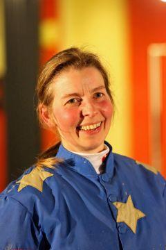 Eine strahlende Stephanie Rank nach dem Sieg auf Index Waiter im Neusser Amateurrennen am 26.01.2015. Foto: Dr. Jens Fuchs