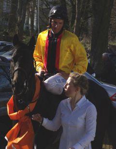 Nach dem Erfolg in der wettenleip Frühjahrsmeile: Global Thrill mit Adrie de Vries. www.dequia.de