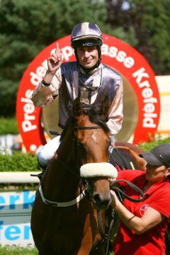 Im fünften Anlauf trug sich die Tiger Hill-Tochter Wanda's Girl mit Alexander Pietsch in die Siegerliste ein. www.klatuso.com - Klaus-Jörg Tuchel