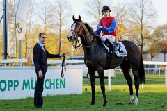 Wieder ein Schlenderhaner Sieger im Großen Preis von Bayern: Ito folgt auf Iwanhowe, der Jockey in beiden Fällen Filip Minarik. Foto: Dr. Jens Fuchs