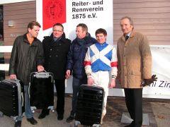 A. Kleinkorres, Mitglieder Stall Ampuria, J. Bojko. Foto: Gabriele Suhr