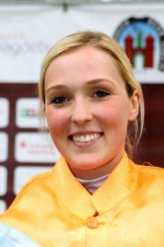 Laura Giesgen im Mai 2015 in Magdeburg. www.galoppfoto.de - Peter Heinzmann