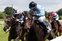 Near England mit Andreas Helfenbein gewinnt das Nutan-Rennen. www.galoppfoto.de - Frank Sorge