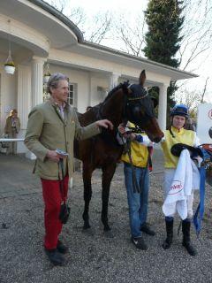 Integral mit Trainer F. Leve und Jockey Jozef Bojko. Foto Suhr