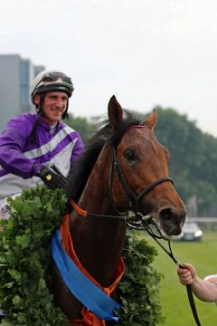 Der Derbysieger 2015: Nutan mit Andrasch Starke. Foto: Dr. Jens Fuchs