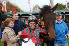 Ein bemerkenswerter Erfolg für das Team von Ostana. www.galoppfoto.de
