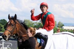 Jetzt schon drei Siege in Folge: Royal Solitaire und Daniele Porcu. www.galoppfoto.de - Sarah Bauer