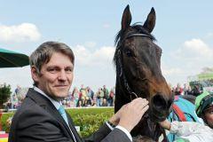 Queen Viktoria, ein weiterer Sieger für Markus Klug, die aktuelle Nummer eins der deutschen Trainer. www.galoppfoto.de - Sabine Brose