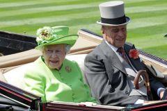 Zusammen sind sie 187 Jahre alt: Queen Elizabeth und Prinz Philipp am Dienstag in Ascot. www.galoppfoto.de