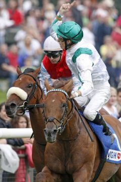 Red Dubawi gewinnt mit Eddy Hardouin das Gr. II-Rennen in Hannover. www.galoppfoto.de - Frank Sorge