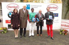 Siegerehrung mit Rennvereinspräsident P.M. Endres, Jockey Eduardo Pedroza, Trainer Uwe Stoltefuß und Besitzer Daniel Delius. Foto: Gabriele Suhr