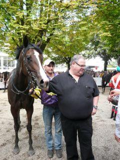 Siegerin Mayfair mit Besitzer Lucien van der Meulen. Foto G. Suhr