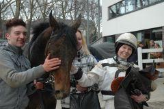 Sieger Dwayne mit Mark Gier und Reiterin Andrea Glomba (Foto Suhr)