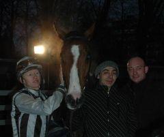 Sieger Hideki Danon mit Filip Minarik und Sascha Smrczek. (Foto Suhr)