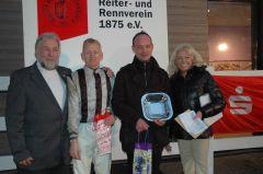 Siegerehrung mit Peter Ritter, RV Neuss, Filip Minari, Sascha Smrczek, Eva-Maria Amdohr, RV Neuss. (Foto Suhr)