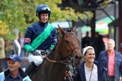 Scataro nach dem Kölner Sieg im Amateurrennen mit Alice Mills  2014. Foto: Dr. Jens Fuchs