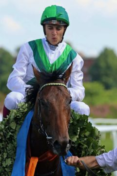 Was für eine Demonstration: Der Derbysieger Sea The Moon mit Christophe Soumillon. Foto: Dr. Jens Fuchs