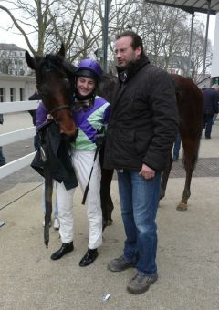 Foal Liam mit Dennis Schiergen und Christian Peterschmitt (Foto Suhr)