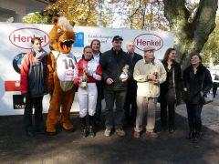 Siegerehrung mit J. Pietrasiewicz und Trainer R.P. Dollevoet (Foto G. Suhr)