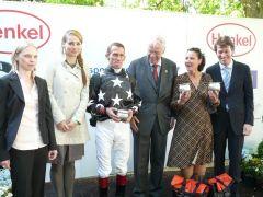 Siegerehrung mit Terence Hellier, Vizepräsident AlAlbrecht Woeste und Frau Olga Hickst (Foto: Gabriele Suhr)
