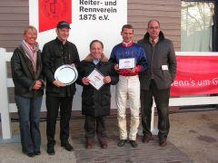 Das Lamool-Team um Eckhard Sauren bei der Siegerehrung. Foto: G. Suhr