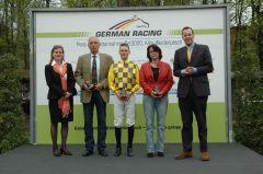Siegerehrung mit Martin Seidl, Ferdinand Alexander Leisten. Foto Gabriele Suhr