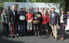 Siegerehrung mit Besitzer Stall Franke&Friends, Markus Klug, Andreas Helfenbein