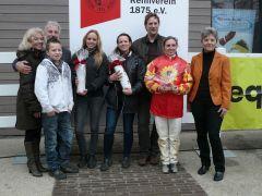 E.M. Amdohr (Sekretariat), Peter Ritters (Vorstand), Laura Rosenbach, Heike Rosenbach, Olga Laznovska, Frau Sieberts (Foto Suhr)